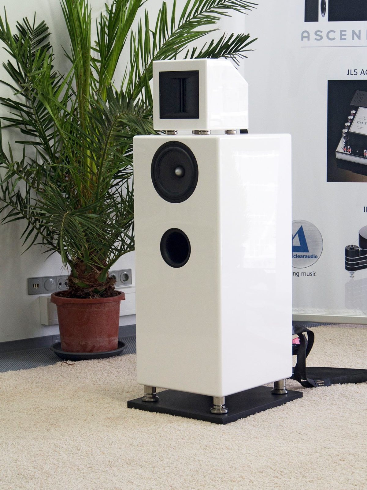 Ascendo M5 High-End Hangfal fehér - Professional Audio