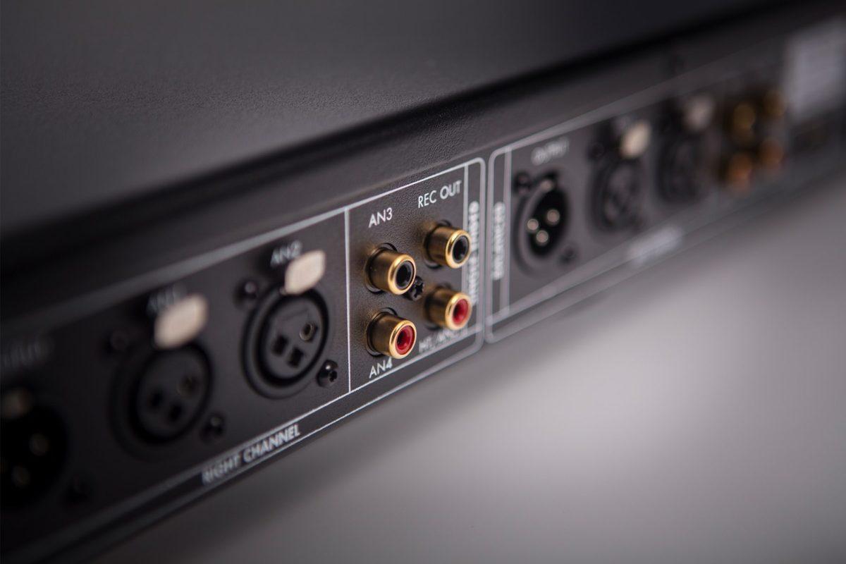 Electrocompaniet_EC4.8mk2_előerősítő_4 - Professional Audio