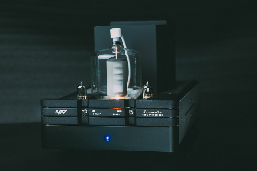 NAT_Transmitter_highend_csöves_monoblokk - Professional Audio