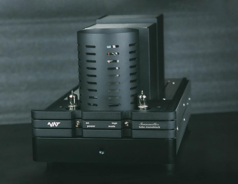NAT_Transmitter_highend_csöves_erősítő_monoblokk_5- Professional Audio